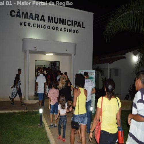 Vereadores aprovam salário para R$ 10.500 em meio a protesto no Piauí