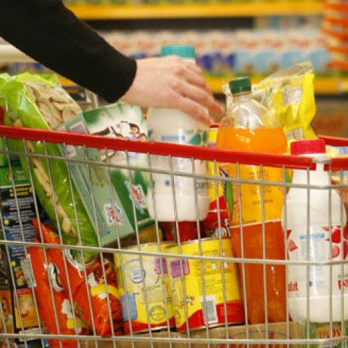Feijão e leite continuam como vilões no aumento da cesta básica