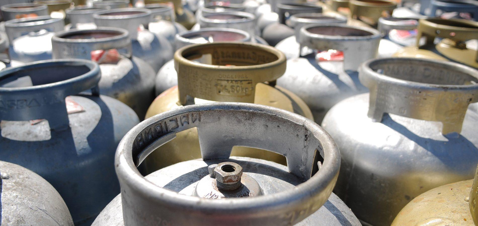 Gás de cozinha volta a subir e preço chega a R$ 120 no Centro-Oeste, segundo ANP