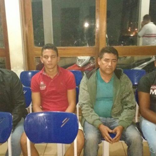Cantor Mariozan Rocha é detido após seguir carro de candidato à prefeito de Monsenhor Hipólito