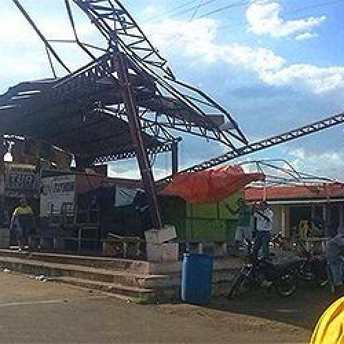 Vendaval destrói estrutura de rodoviária no Piauí