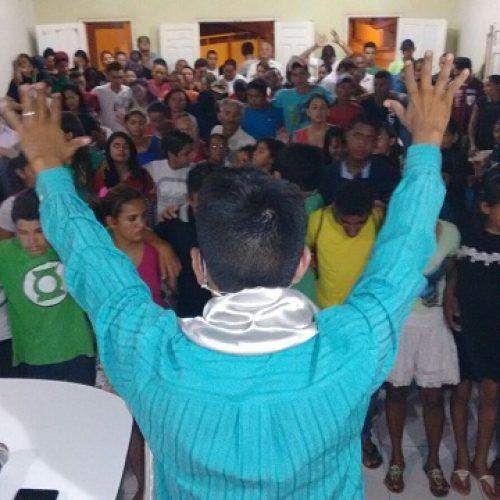 Método inovador de pregação atrai jovens para igreja em Itainópolis