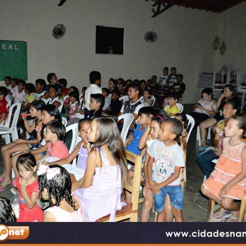 """Filme """"A era do gelo"""" é exibido em comemoração ao aniversário de 15 anos da Biblioteca Patativa do Assaré em Vila Nova"""