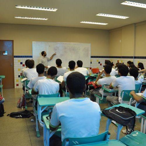 Escola do Piauí tem a maior nota na Redação do Enem 2015, revela Inep