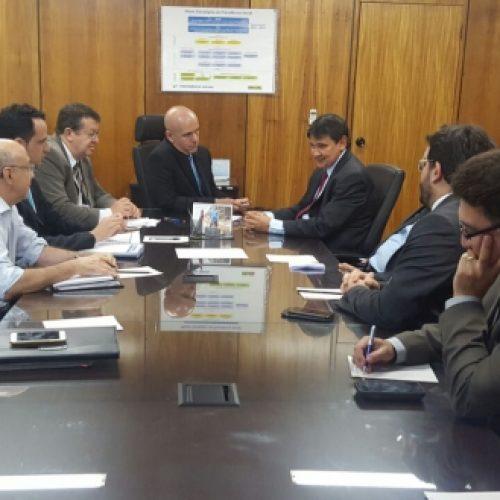 Governador busca financiamentos e faz proposta pra equilibrar Previdência