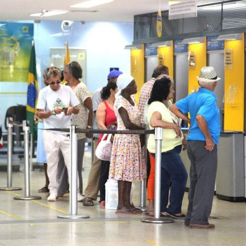 Teste revela bancos que deixaram de dar consignado a aposentado do INSS e servidor