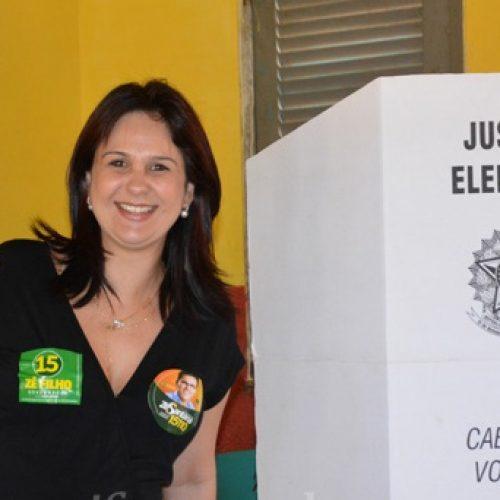Juiz manda readmitir servidores exonerados por prefeita derrotada no Piauí