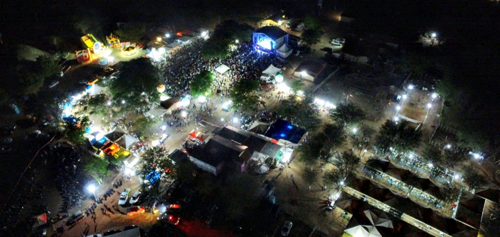 FOTOS | Show de Flávio José na VII ExpoCaboclos, em Caldeirão Grande do PI