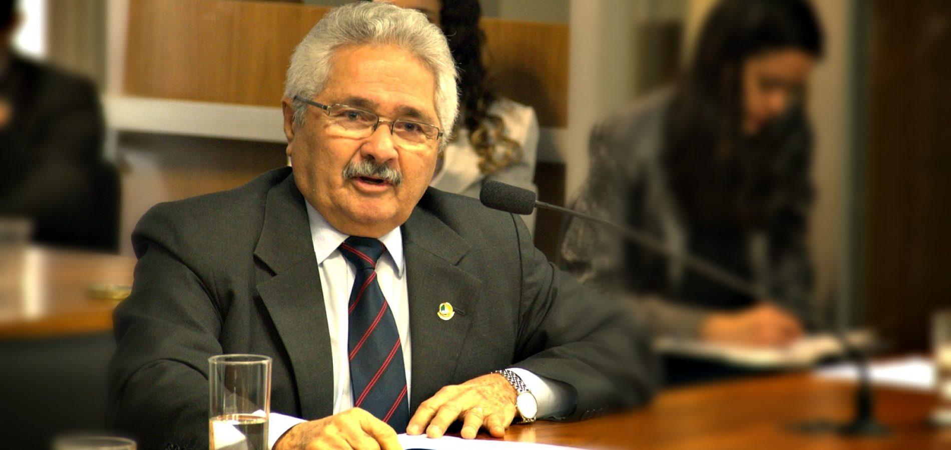 Elmano Férrer defende planejamento estratégico em segurança hídrica