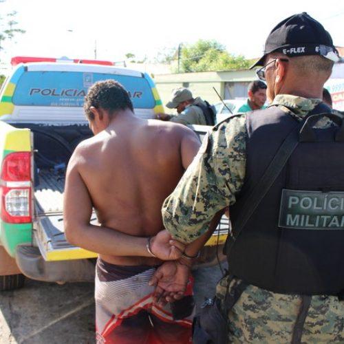 Jovem é preso por assaltar e agredir idoso com pedras no interior do Piauí