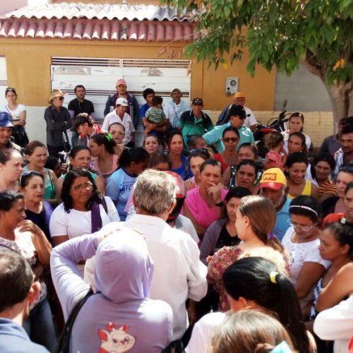 Agricultores invadem a prefeitura de Fronteiras para cobrar o pagamento do Garantia Safra