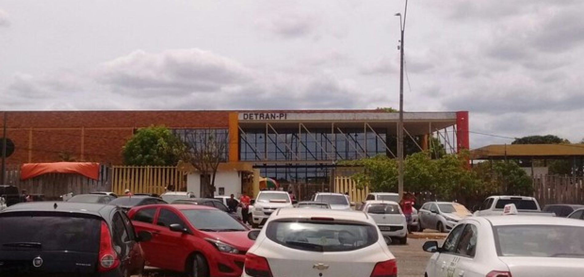 Detran-PI cancela aulas e deixa cerca de 60 alunos do interior no prejuízo
