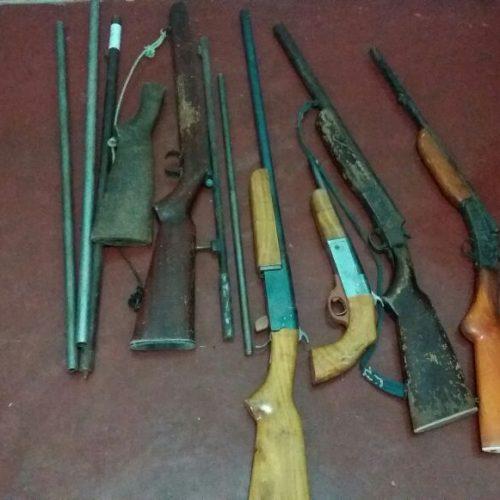 Polícia prende suspeito de manter fábrica de armas caseiras em casa na região de Paulistana