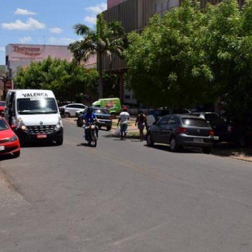 Populares frustram assalto em frente à Prefeitura de Picos