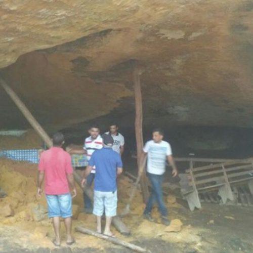 Gruta desaba e 10 pessoas morrem no Tocantins