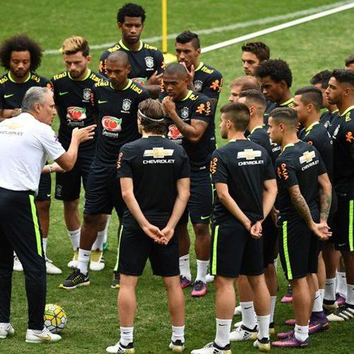 Com Neymar e sem surpresas, Tite define titulares do clássico com a Argentina