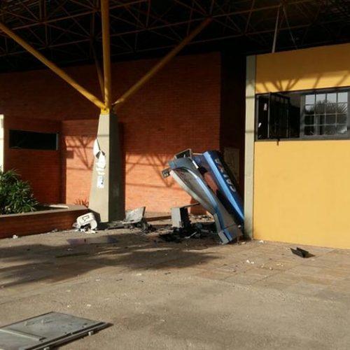 Bandidos armados explodem terminal da Caixa na UFPI e fazem reféns