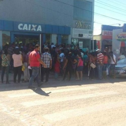 Boato de dinheiro extra de programa federal causa tumulto em banco no Piauí