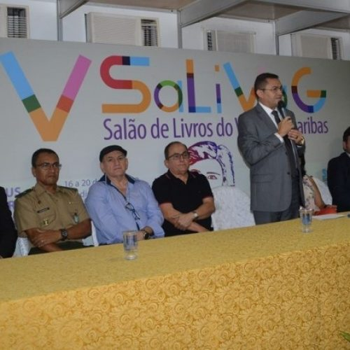 Prefeito de Picos abre a programação do 4º  Salão de Livros do Vale do Guaribas