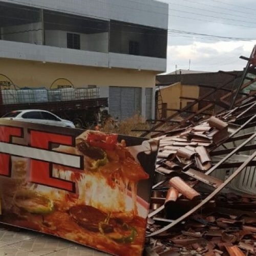 Vendaval causa destruição em Paulistana; veja fotos