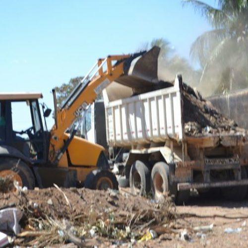 Prefeitura Municipal realiza limpeza e reparos nas principais ruas em Alegrete