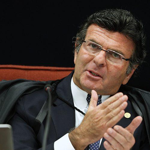 Ministro do STF suspende tramitação do projeto contra a corrupção