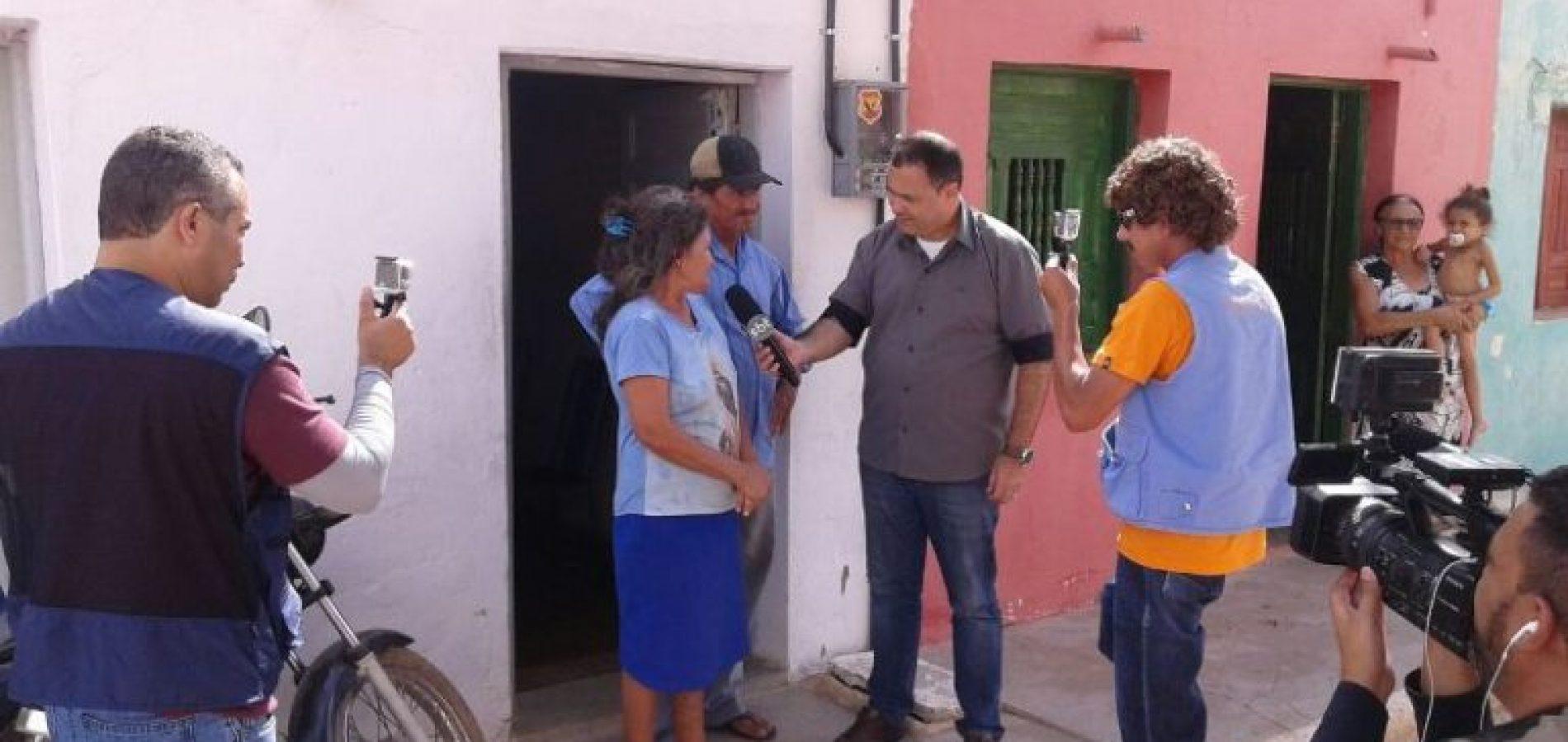 Programa do Ratinho grava quadro 'Voltando Para Minha Casa' no interior de São Julião