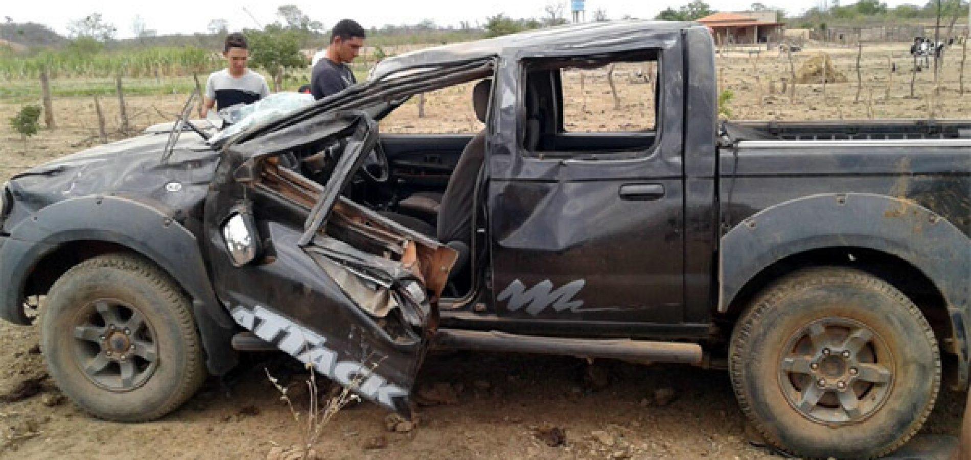 Acidente de carro na rodovia PI-120 deixa várias pessoas feridas