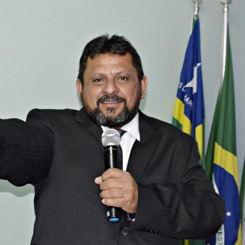Ademar Carvalho é empossado para o terceiro mandato de prefeito em Belém do Piauí