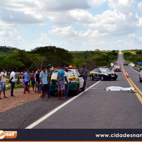 Colisão entre uma motocicleta e  carro deixa homem morto na BR 316, entre Alegrete e Francisco Macedo; veja fotos exclusivas