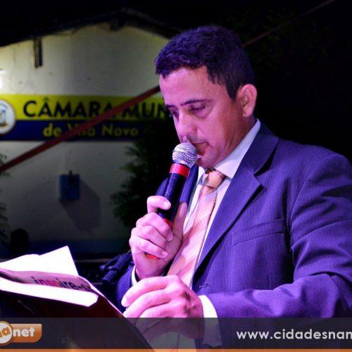 Vereador Roberto Moura é empossado para seu segundo mandato e eleito presidente da Câmara em Vila Nova
