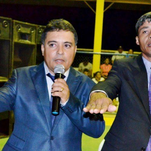 VERA MENDES | Milton é empossado prefeito ao lado do vice Caçulinha e vereador da base é eleito presidente da Câmara