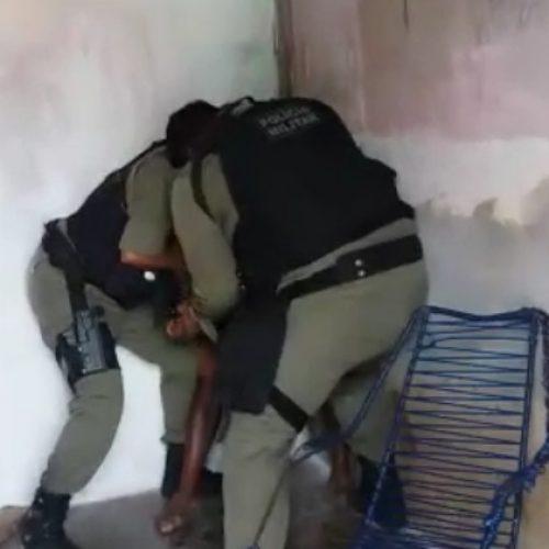 Vídeo de PM's torturando idoso no interior do Piauí ganha repercussão na internet