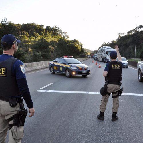Em 24h, PRF multa 350 condutores por excesso de velocidade
