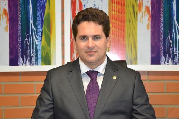 Resultado de imagem para Pablo Santos Deputado Estadual
