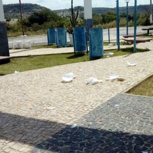 Vândalos espalharam pregos nas imediações do local de posse do prefeito de Monsenhor Hipólito