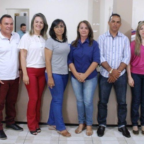 Prefeita de Santana do Piauí mantém secretariado de Chico Borges