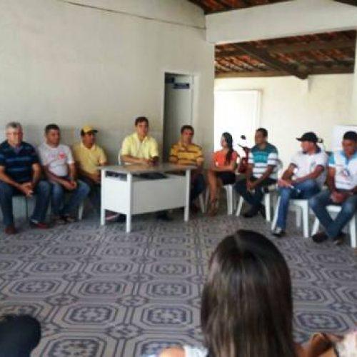 Prefeito Valdinar se reúne com profissionais da Saúde em Padre Marcos