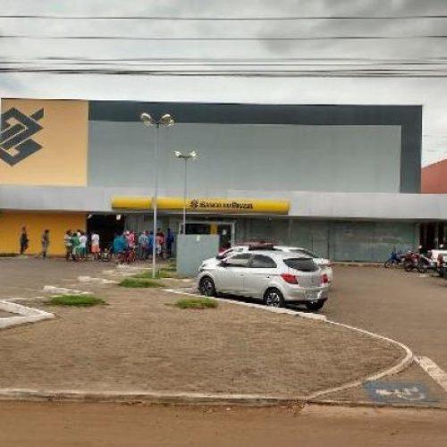PICOS   Após explosão, agência bancária passa por reforma e não realiza atendimentos