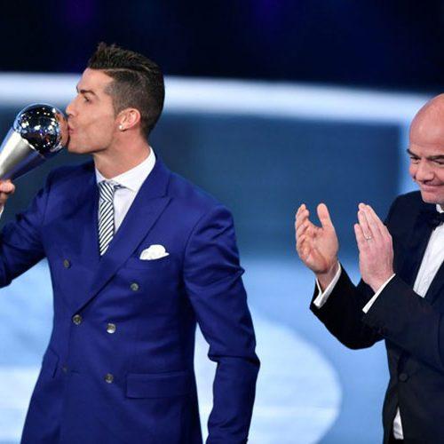 Cristiano Ronaldo é eleito pela quarta vez o melhor jogador do mundo