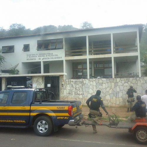 Princípio de incêndio atinge antigo prédio da Delegacia Regional de Picos
