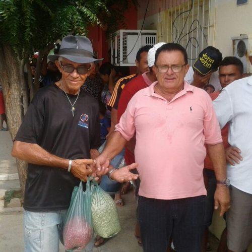 Prefeitura  de Francisco Macedo distribui sementes para agricultores