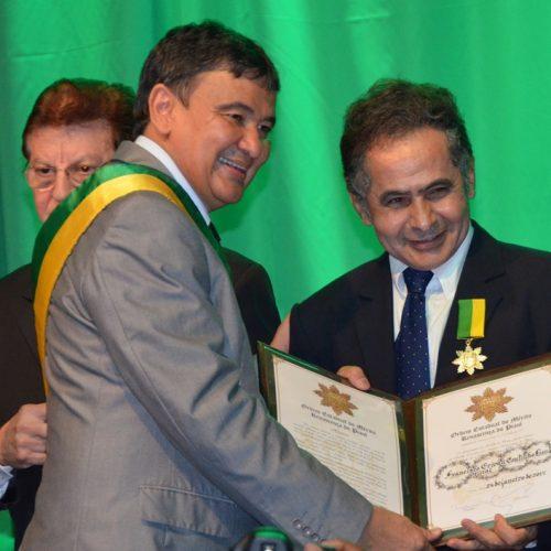Erivan Lima jornalisa da Rádio Cultura FM de Picos  é homenageado com o Mérito Renascença do Piauí