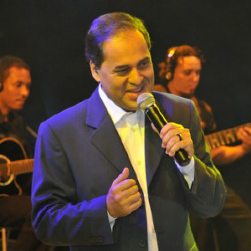 Padre e cantor João Carlos presidirá Missa em Picos