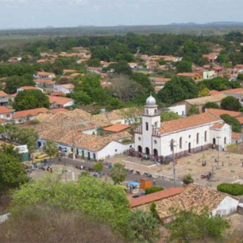 Mulher morre após ser atingida por raio na porta de casa no Piauí
