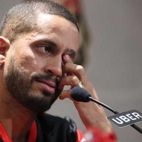 Realizando sonho do pai, Rômulo chora em 1º coletiva no Flamengo