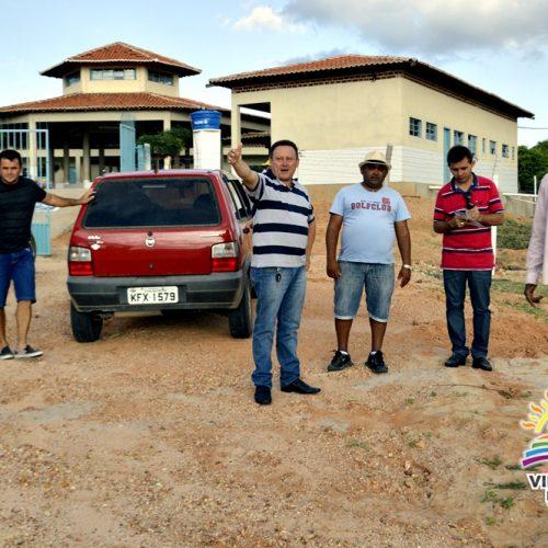 Prefeito visita o Povoado São João Batista e autoriza início da limpeza e reparos dos órgãos públicos