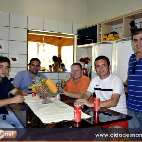 Ex-prefeito Arinaldo Leal reúne amigos e correligionários para comemorar carnaval em Vila Nova; veja fotos
