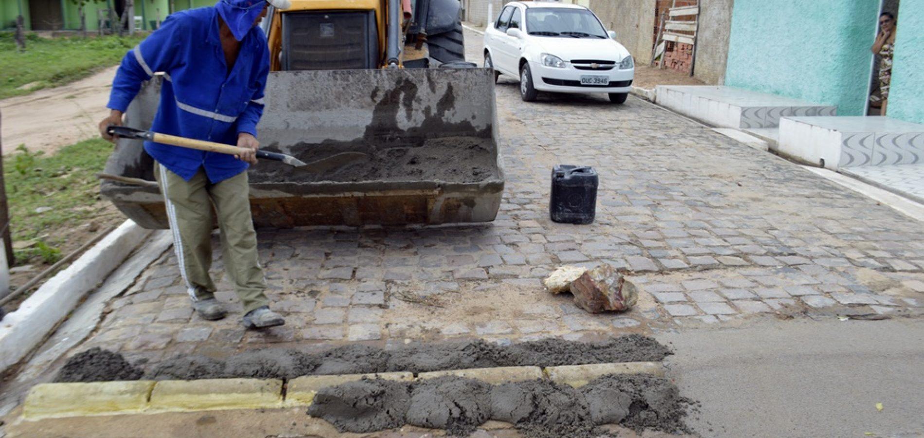 Prefeitura de Vila Nova melhora lombadas e realiza operação tapa buracos nas ruas sede