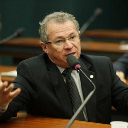 Assis Carvalho perde Saúde, mas irá comandar nova estatal do governo